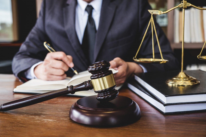 وکیل ایرانیان در خارج از کشور